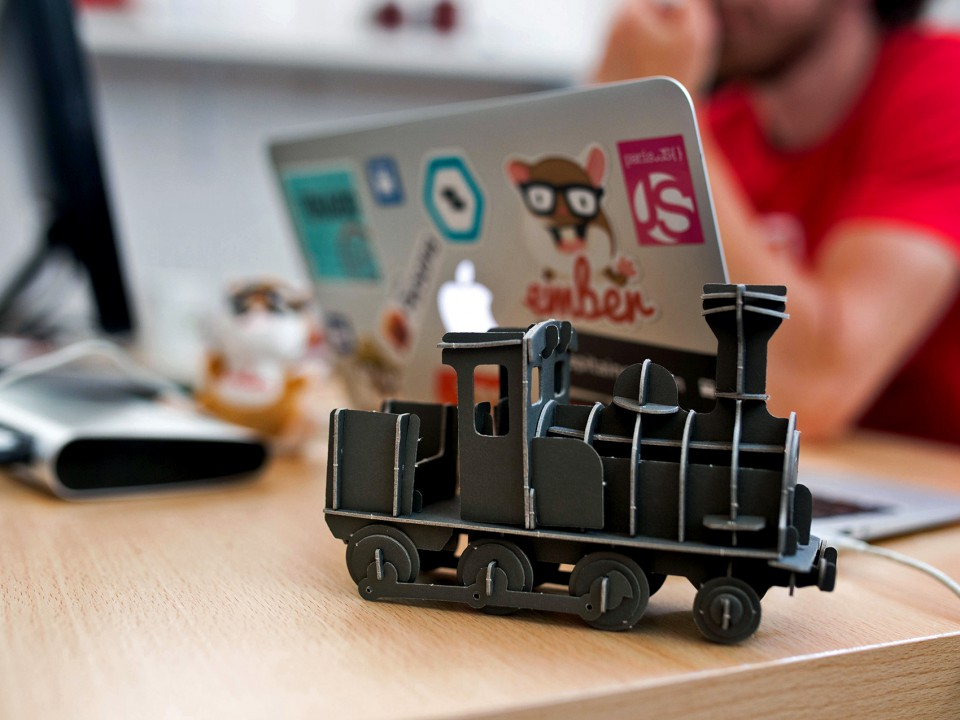 ct-office-train-toy